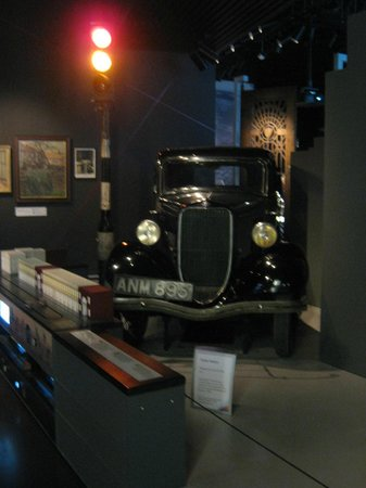Museum of London : London Ford 8