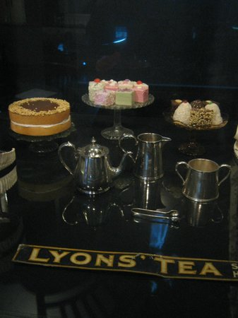 Museum of London : Through window of Lyon's tea shop