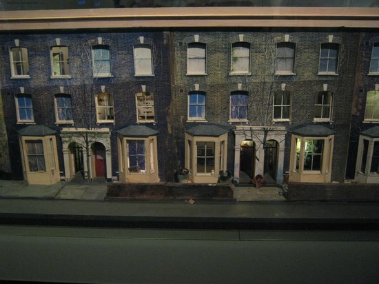 Museum of London : Model of houses