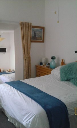The Cherwood: room 5 double bed +1 single