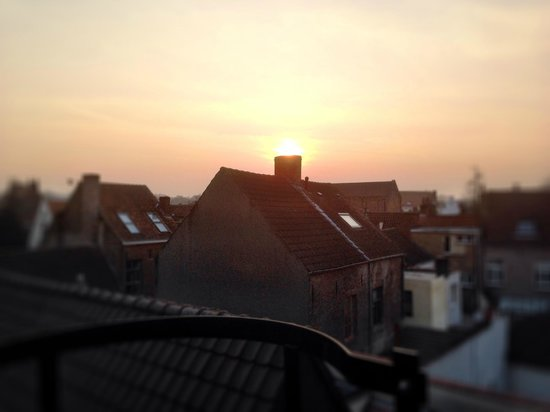 Hotel Prinsenhof Bruges : Sunset from the terrace