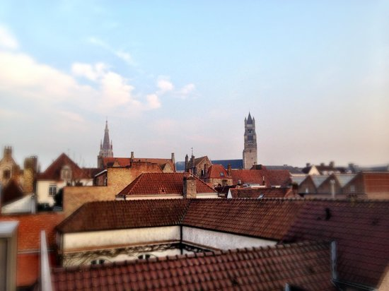 Hotel Prinsenhof Bruges : Towards the centre of Bruges