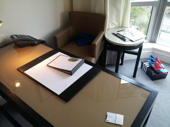 The Westin Melbourne: Classic Room Desk