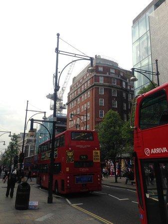 Radisson Blu Edwardian Berkshire : Ligging hotel middenin Oxford Street