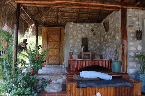 Paradise Bungalows : A/C Stone Bungalow Porch