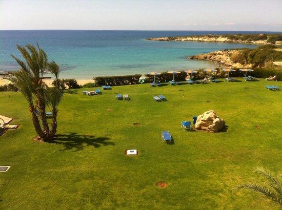 Corallia Beach Hotel Apartments : Hotel gardens