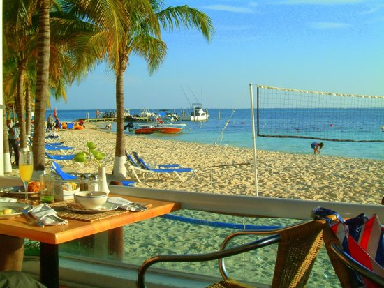 Occidental Costa Cancun : Breakfast by the Beach Barcelo Costa Cancun