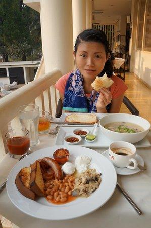 FCC Angkor : The breakfast.