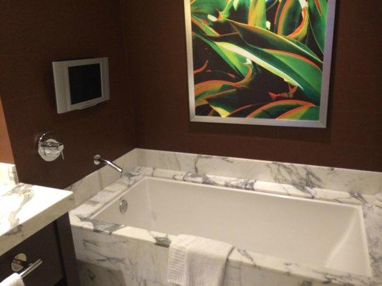Red Rock Casino Resort & Spa: Soaking tub