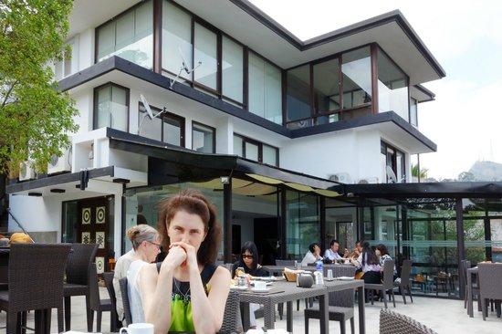 Theva Residency: Ужин