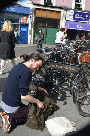 Tally Ho! Cycle Tours : Niall and the bikes