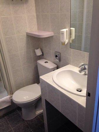 Comfort Hotel Nation Père Lachaise - Paris 11 : bagno