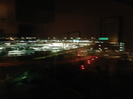 Narita Airport Rest House: 部屋からの眺め。最上階でした。
