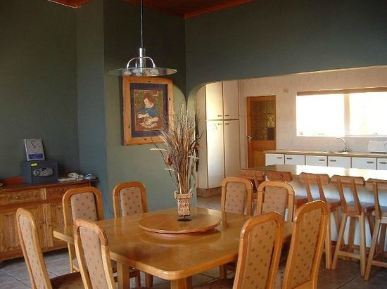 Island Vibe Port Elizabeth: Kitchen/dining