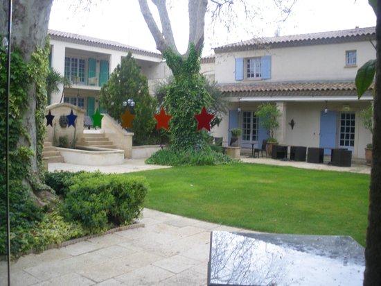 Villa Mazarin : cours intérieure