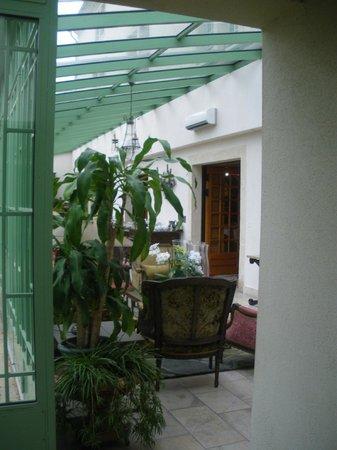 Villa Mazarin : verriere (petit dej)
