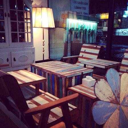 Jatujak Gallery & Restaurant : Photo