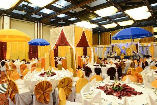 LAICO Regency Hotel: Weddings at the Crystal Ballroom