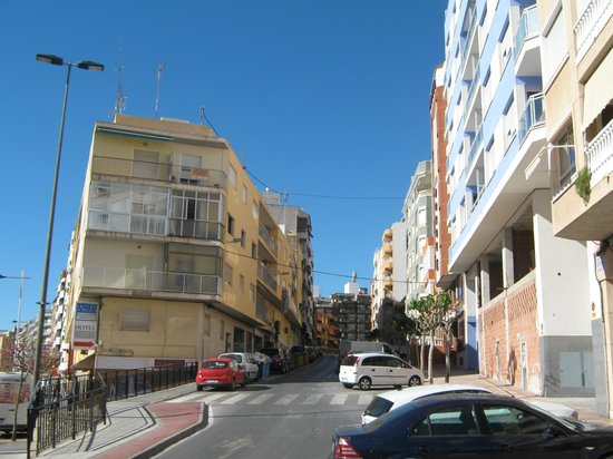 Hotel Jorge I: hotel on the right