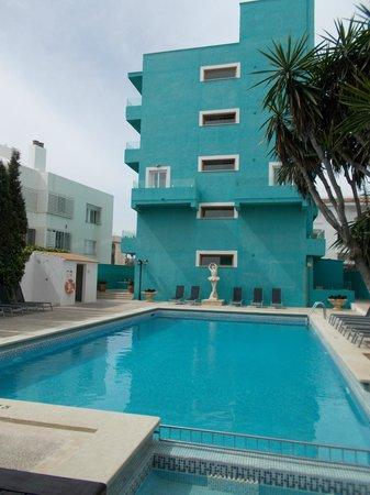 Hotel UR Portofino: vue de la terrasse ombragé de l'hotel