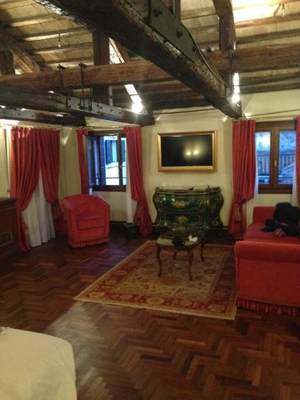 Hotel Ai Reali : Room 314 seating area