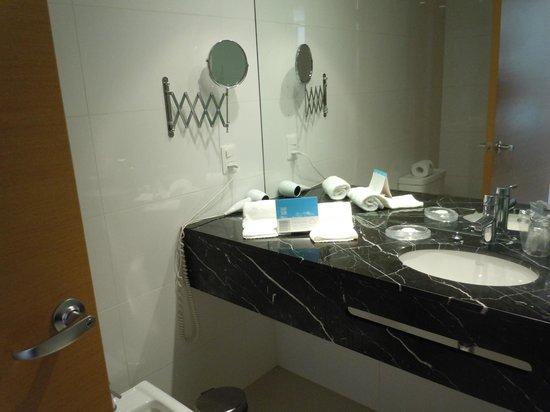 Sisai Hotel Boutique : Banheiro