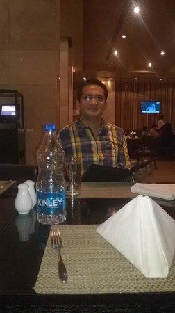 Radisson Blu Hotel Amritsar: Radisson Blu Amritsar  Tavolo Mondo.