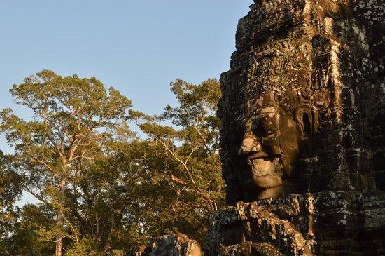 Bayon (Angkor) : :>