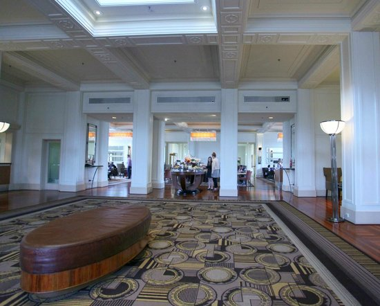 Hyatt Hotel Canberra: Foyer