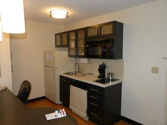 Candlewood Suites Dallas, Las Colinas : Kitchen Area