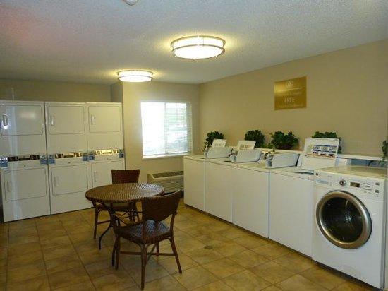 Candlewood Suites Dallas, Las Colinas: Laundry Room