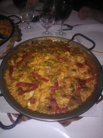 Restaurante Pirineus : Paella di carne