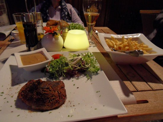 Restaurant De Witte Leeuw: Fillet steak & fries
