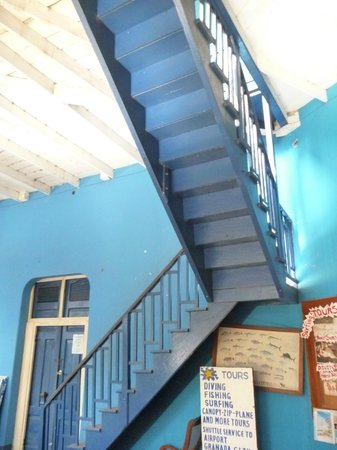 Hotel Estrella: The staircase up to the bedrooms