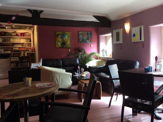 Naughty & Nice Cafe Bistro Ice Cream Parlour Chocolatier: Upstairs seating area