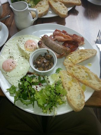 Cafe Roma: Excellent breakfast