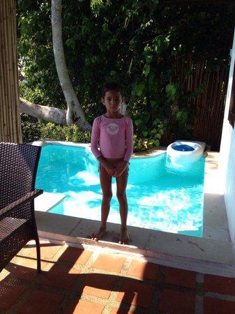 Aminjirah Resort: Vores pool