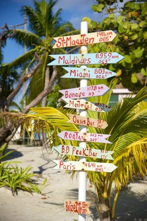 Blackbird Caye Resort: Far from everything ...