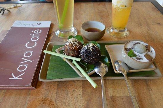 Kaya Cafe: Nom nom