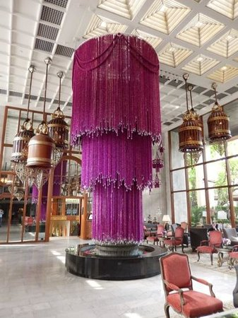 Mandarin Oriental, Bangkok : Glorious display in Hotel Reception