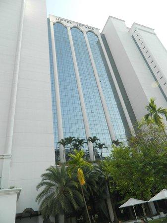 Hotel Istana : Фасад