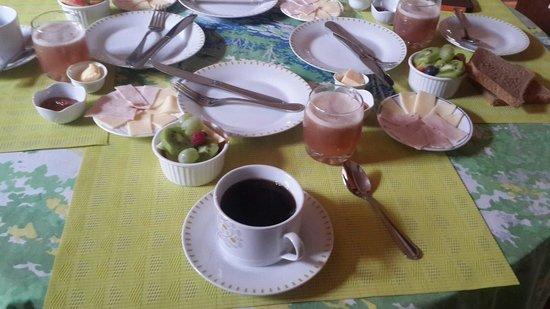 Hostal Patio Europeo: Desayuno rico y siempre puntual!!