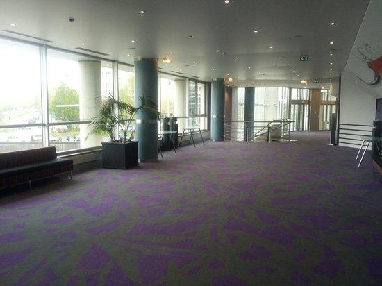 Holiday Inn Paris Marne La Vallee: Lobby