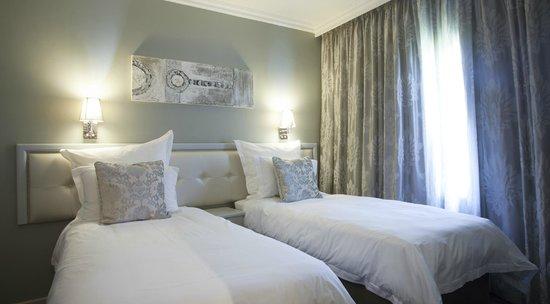 Devonvale Golf & Wine Estate: Two Bedroom Suite  - Twin Beds