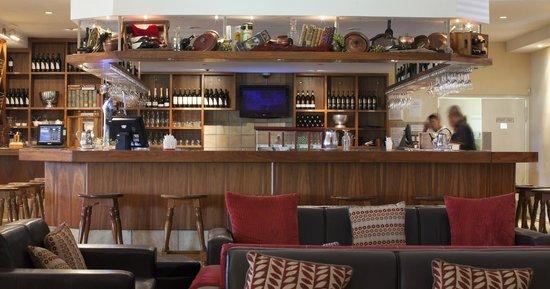 Devonvale Golf & Wine Estate: Restaurant - Bar