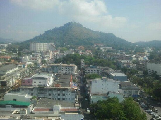 Metropole Hotel Phuket : View from the 14th floor room
