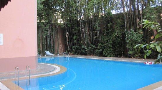 Meriem Hotel : piscina