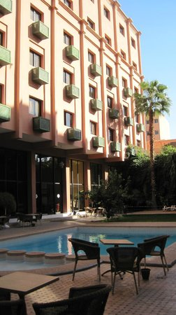 Meriem Hotel : cortile interno hotel