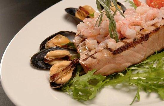 Cuccini's Restaurant & Bar: Cuccinis Seafood Platter