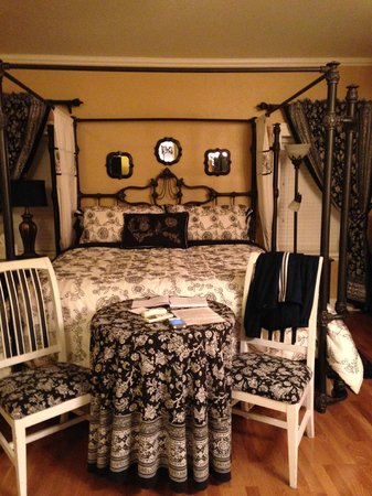 Palmer House Bed and Breakfast: guest suite